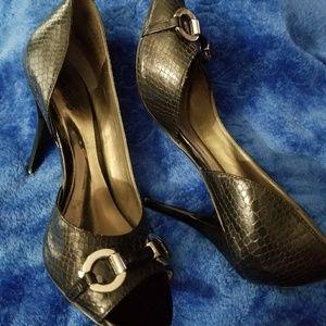 🐞Carlos Santana black snake print heels